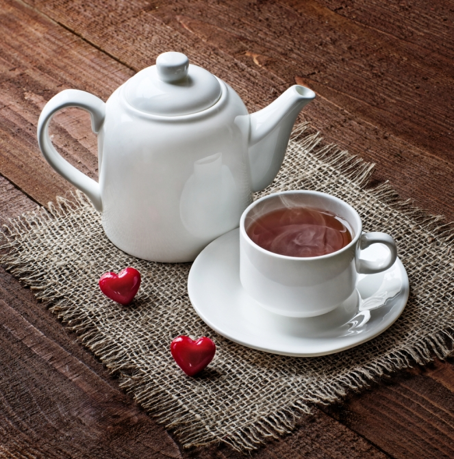 tea cup and  teapot with red hearts